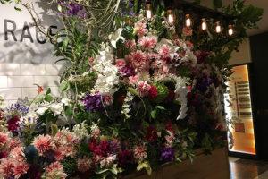 複合商業施設 オープン祝い花